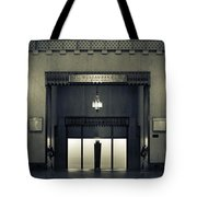 An Elegant Escape - Chicago Tote Bag