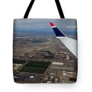 Approaching Phoenix Az Wing Tip View Tote Bag