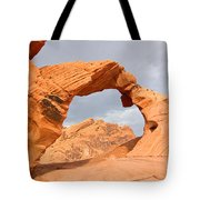 Arch Rock In The Valley Of Fire State Park In Nevada Tote Bag