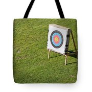 Archery Round Target On A Stand Tote Bag