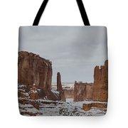 Arches Park Avenue Tote Bag