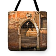 Archway With Bird In Venice Tote Bag