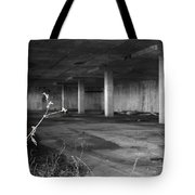 Arms End Tote Bag
