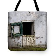 Barn Door In Need Of Repair Tote Bag