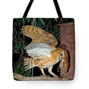 Barn Owl With Prey Tote Bag