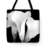 Beautiful Calla Lilies In Black And White Tote Bag