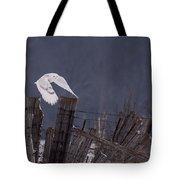 Beautiful Snowy Owl Flying Tote Bag
