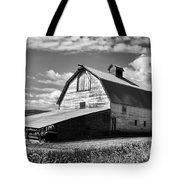 Big Barn Near Ellensburg Washington 2 Tote Bag