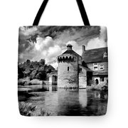 Scotney Castle In Mono Tote Bag