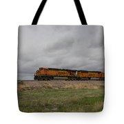 Bnsf Train 5833 B Tote Bag
