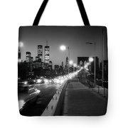 Brooklyn Bridge And Manhattan Skyline At Dusk 1980s Tote Bag