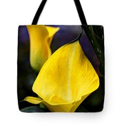 Calla Lily Portrait In Yellow And Green Tote Bag