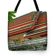 Cat On A Wat Po Roof In Bangkok-thailand Tote Bag