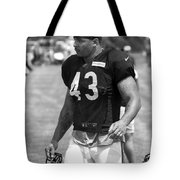 Chicago Bears Fb Tony Fiammetta Training Camp 2014 Bw Tote Bag
