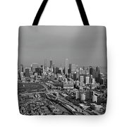 Chicago Looking North 01 Black And White Tote Bag