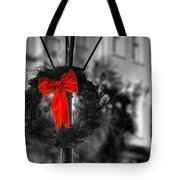 Christmas Wreath In Charleston Tote Bag