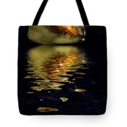 Conch Sparkling With Reflection Tote Bag