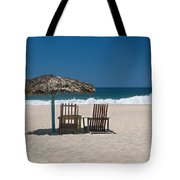 Couple In The Shade Tote Bag