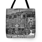 Cp Rail Train Bwtr9099-12 Tote Bag