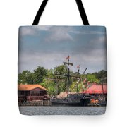Crab Claw Discovery Tote Bag