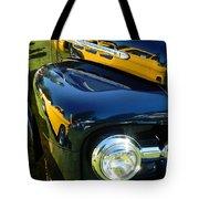 Cruise-in Car Show Vi Tote Bag