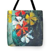 Daisies In A Green Vase Tote Bag