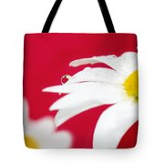 Daisy Reflecting On Red V2 Tote Bag