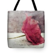 Decor Poppy Horizontal Tote Bag by Priska Wettstein