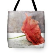 Decor Poppy Red Tote Bag