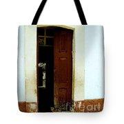 Dos Puertas Con Dos Gatos Tote Bag