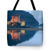 Eilean Donan Castle Dusk Tote Bag
