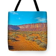 Elephant Butte From Wildcat Trail In Monument Valley Navajo Tribal Park-arizona   Tote Bag