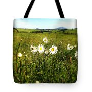 Field Of Flowers Tote Bag by Les Cunliffe