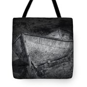 Fishing Boat On Shore In Black And White Tote Bag