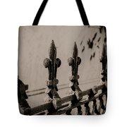 Fleur-de-lis - Monochrome Tote Bag