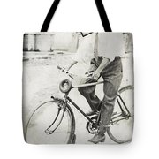 Fly Out Of Town Tote Bag