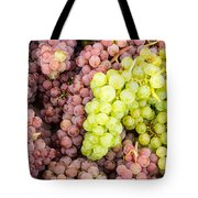 Fresh Grapes On Display Tote Bag