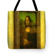 Glance At Mona Lisa Tote Bag