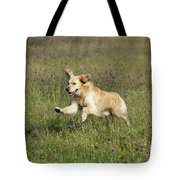 Golden Retriever Running Tote Bag
