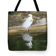 Great Egret In The Lake Tote Bag
