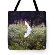 Great White Egret Flying 2 Tote Bag