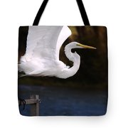 Great White Egret Takeoff Tote Bag