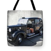 Hackney Carriage Austin Fx3 Of London C. 1955 Tote Bag