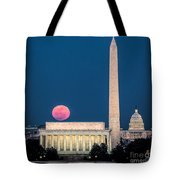 Harvest Moon Over Lincoln Memorial Tote Bag