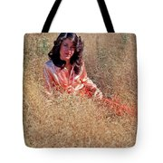 Lady In The Grass - Vert Tote Bag
