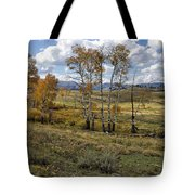 Lamar Valley In The Fall - Yellowstone Tote Bag