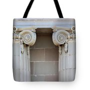 Lincoln County Courthouse Columns Tote Bag