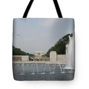 Lincoln Memorial And Fountain - Washington Dc Tote Bag