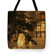 Lion Statue In New York City Tote Bag