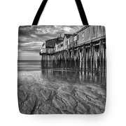Low Tide At Orchard Beach Black And White Tote Bag by Jerry Fornarotto